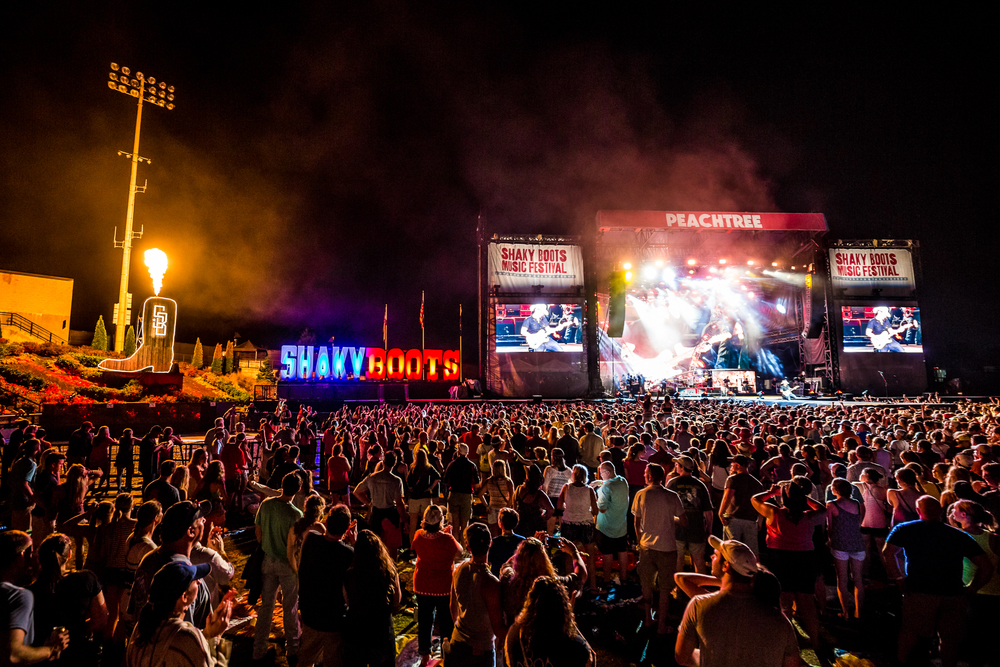 ShakyBoots_2015_iwally_alivecoverage-10.jpg