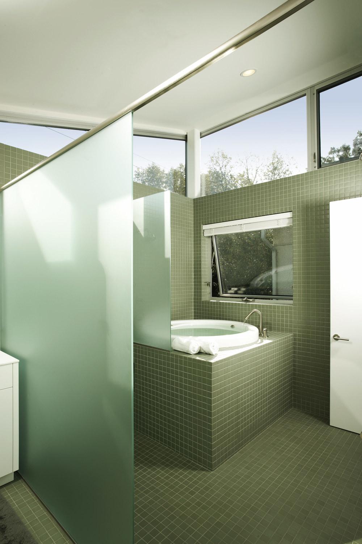 Gamblin_Ostrow-shower.jpg