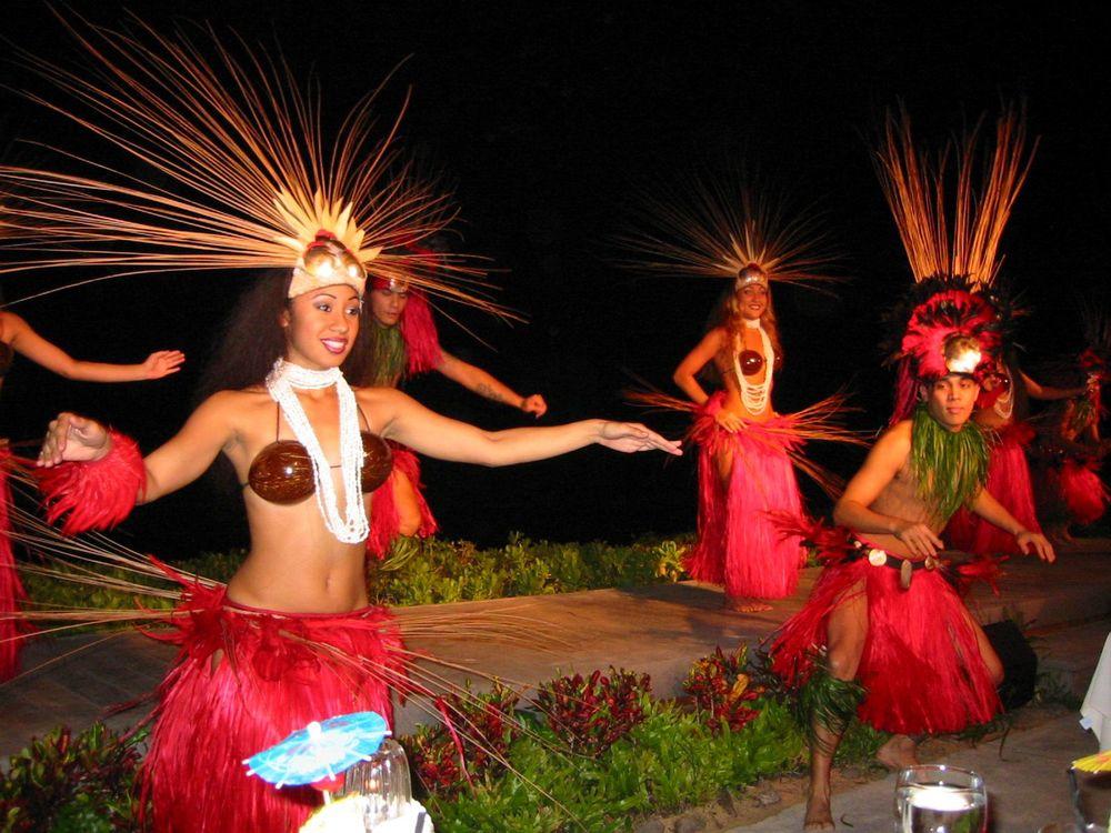 Polynesian Dancers.jpg