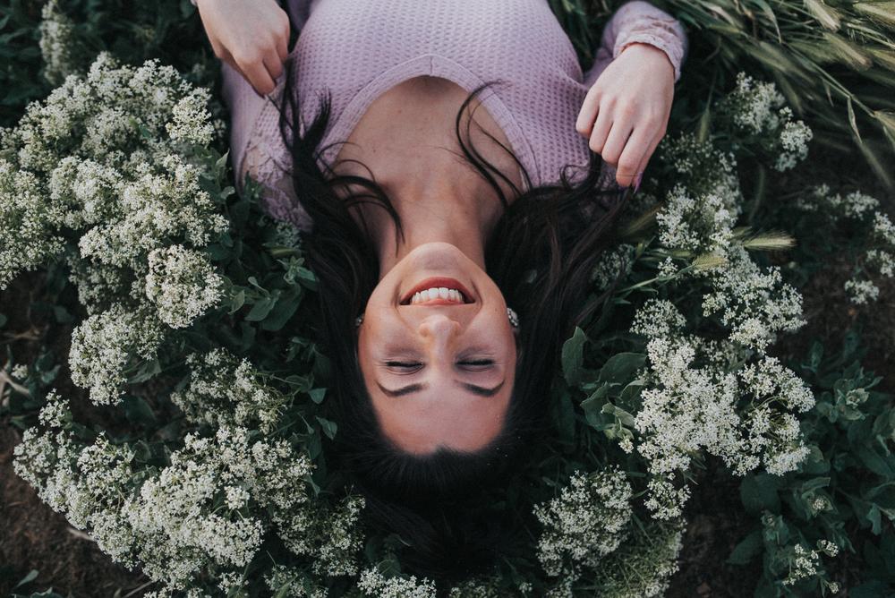 senior girl laughter flowers boise photography mentoring session