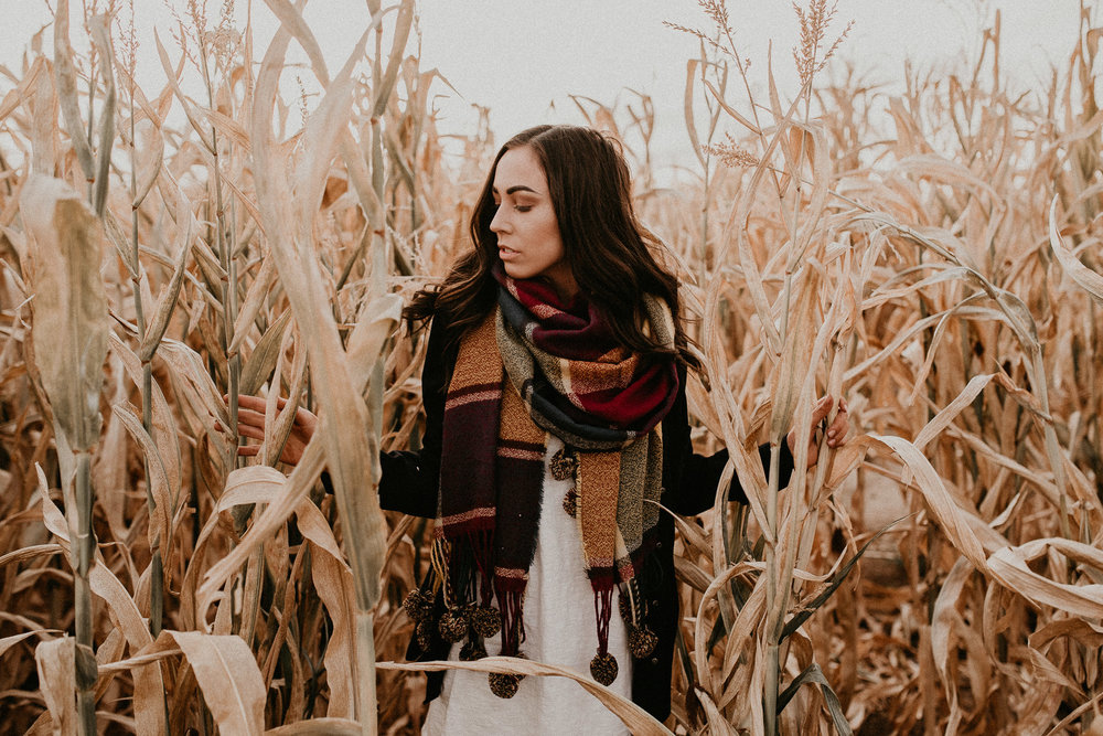 Boise Senior Boudoir Wedding Photographer Makayla Madden Photography Idaho Farmstead Corn Maze Fall Portrait Outfit Ideas Inspiration Plaid Scarf Pumpkin Patch Meridian Senior Pictures Senior Photographer