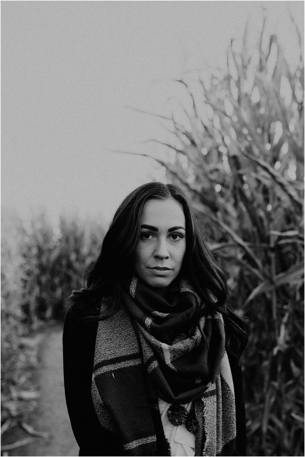 Boise Senior Boudoir Wedding Photographer Makayla Madden Photography Idaho Farmstead Corn Maze Fall Portrait Outfit Ideas Inspiration Plaid Scarf Pumpkin Patch Black and White
