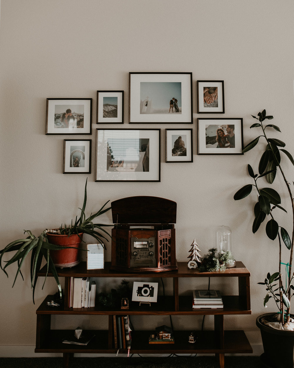 Boise Boudoir Photographer Boise Senior Photographer Makayla Madden Photography Mid Century Modern Ashlyn Bookshelf World Market Aloe Plant Record Player Vinyl Rubber Tree