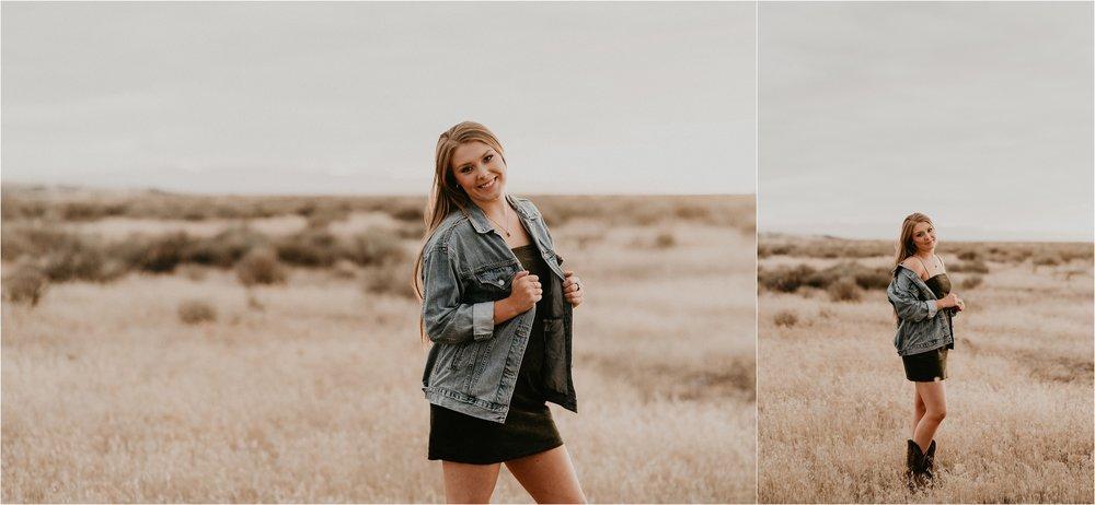 Boise Senior Photographer Makayla Madden Photography Boise Foothills Country Rustic Senior Pictures Senior Girl Outfit Inspiration Idaho Senior Photography