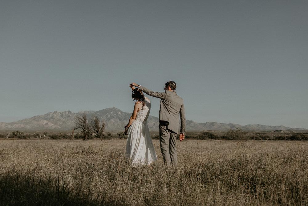 L+K_Tucson_AZ_Wedding_025.jpg