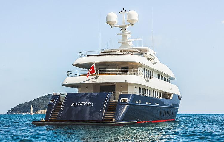 zaliv-private-luxury-yacht-3.jpg