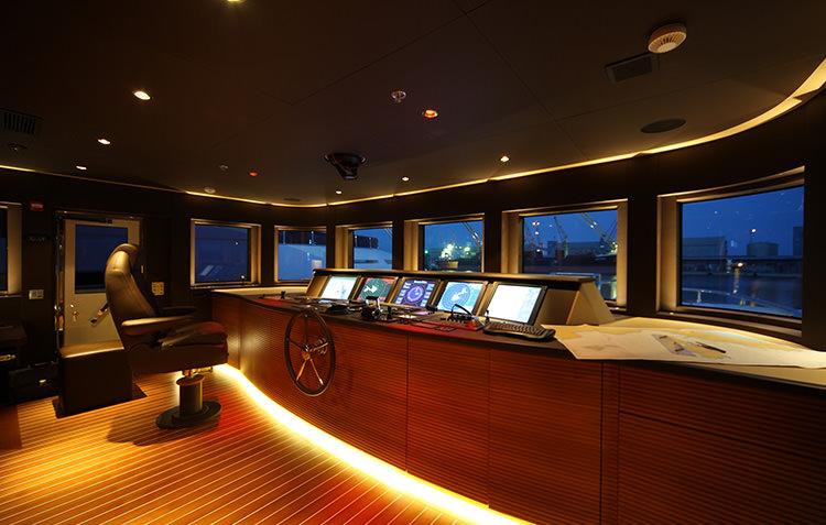 zaliv-private-luxury-yacht-6.jpg