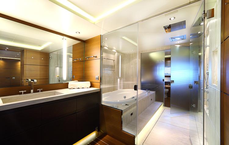 zaliv-private-luxury-yacht-9.jpg