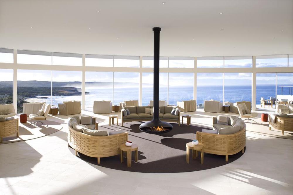 australia lounge travel