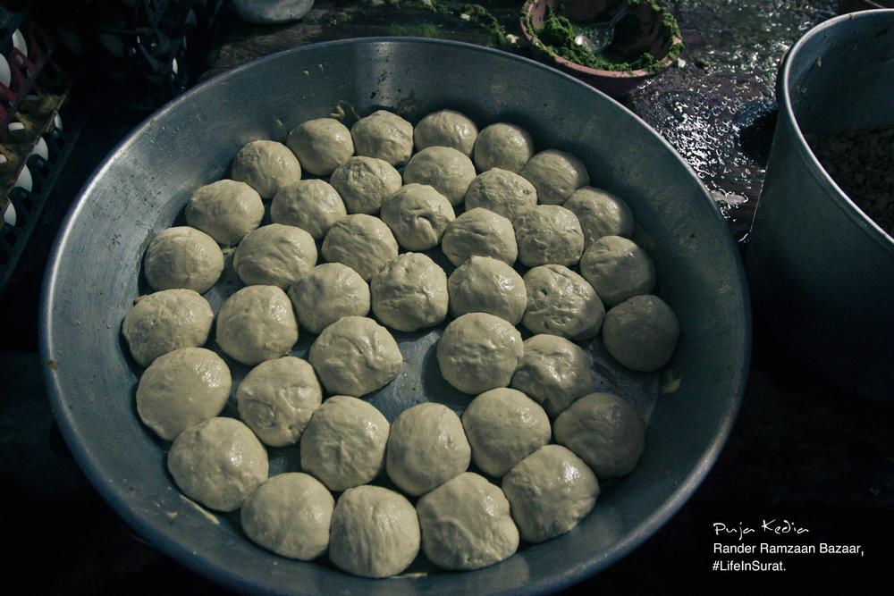 Rander Ramzaan Bazaar Rangooni Paratha