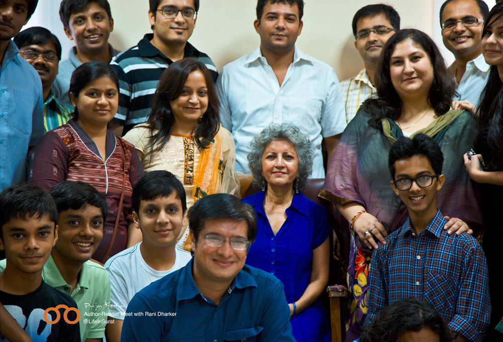 Group Photo. Bookoholics with Rani Dharkar. #AuthorReaderMeet