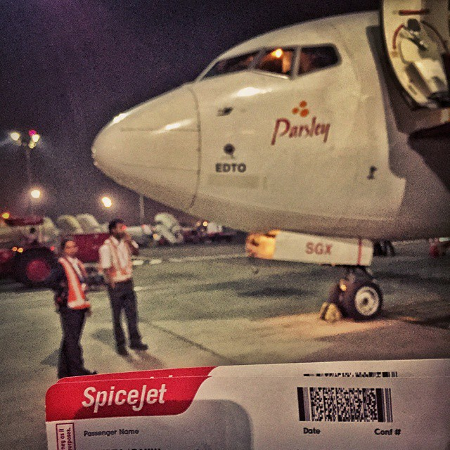 #Day2 -  Finally the flight arrives! Got delayed by a couple of hours :( but I am not complaining cause WiFi at #MumbaiAirport was really supportive :p  #OneWeekInLifeOfAWeddingPhotographer   #Mumbai #SpiceJet #Nexus5 #UnendingDelays