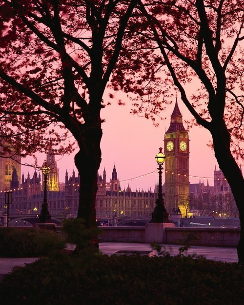 London at Sunset via Tess Rhodes