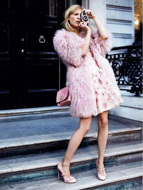 Pink Feather Coat via Miss Zeit