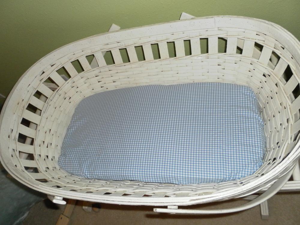 Baby bassinet.JPG
