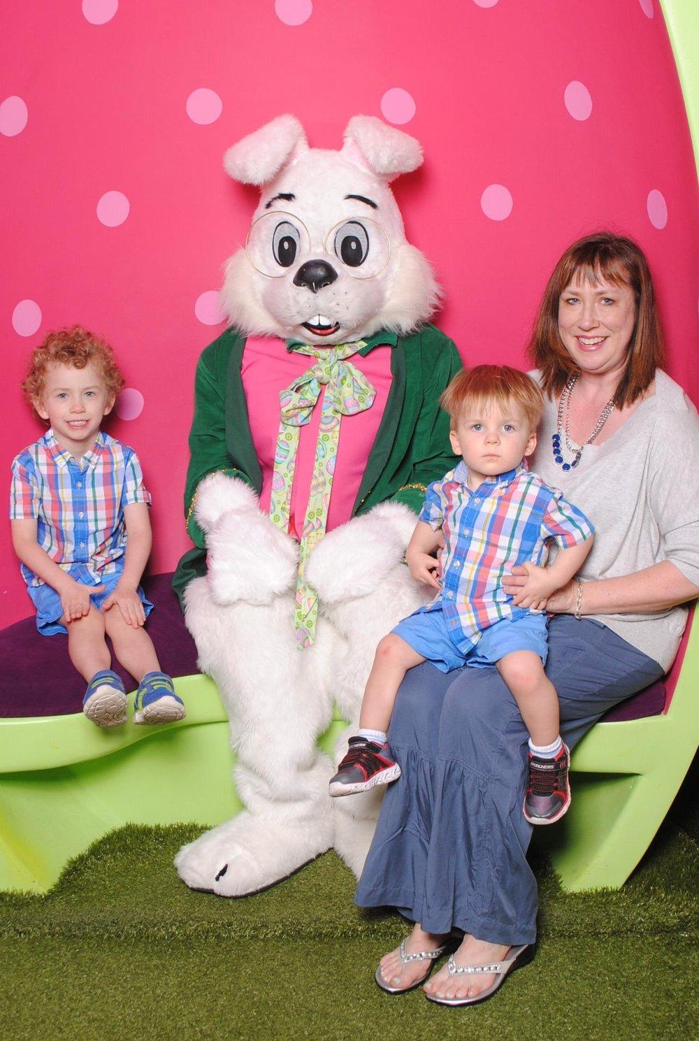 easter bunny 2918.jpg