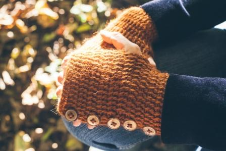 Forest Forager Handwarmers are small enough to just make and measure after as they are not much bigger than a swatch anyway.