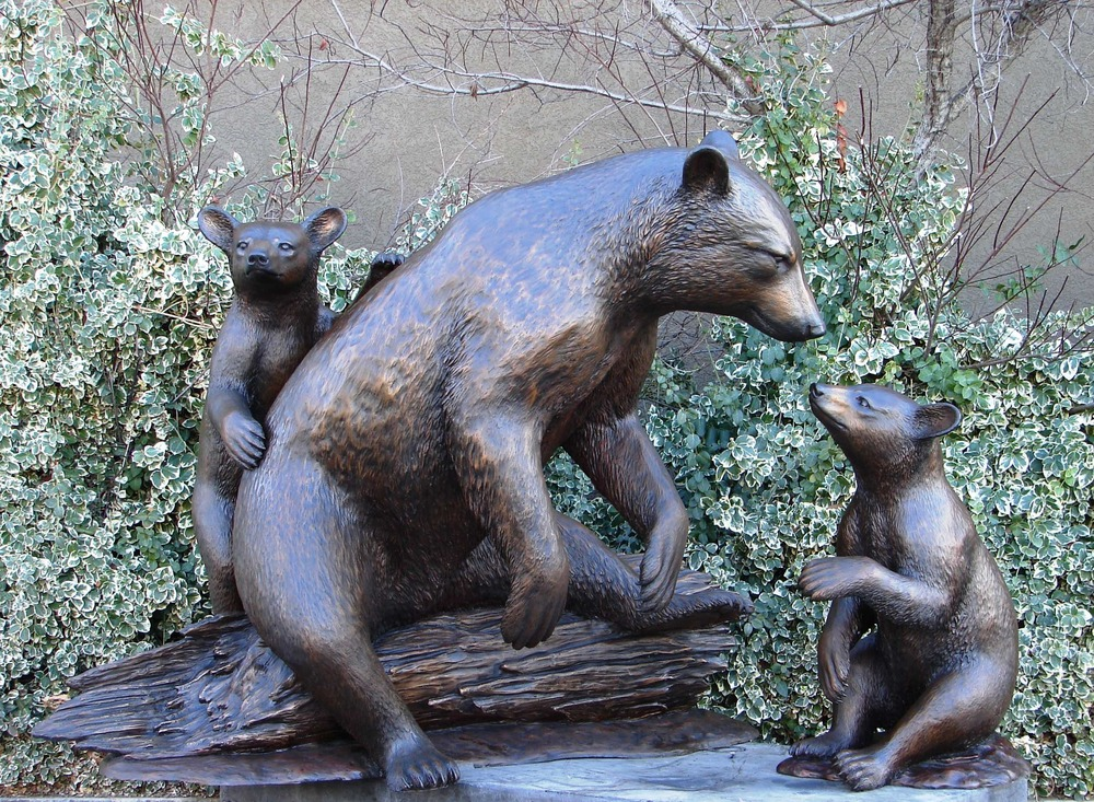 9_-_Black_Mother_Bear_and_Cubs.jpg