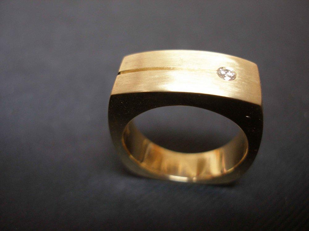Man's ring 2.jpg
