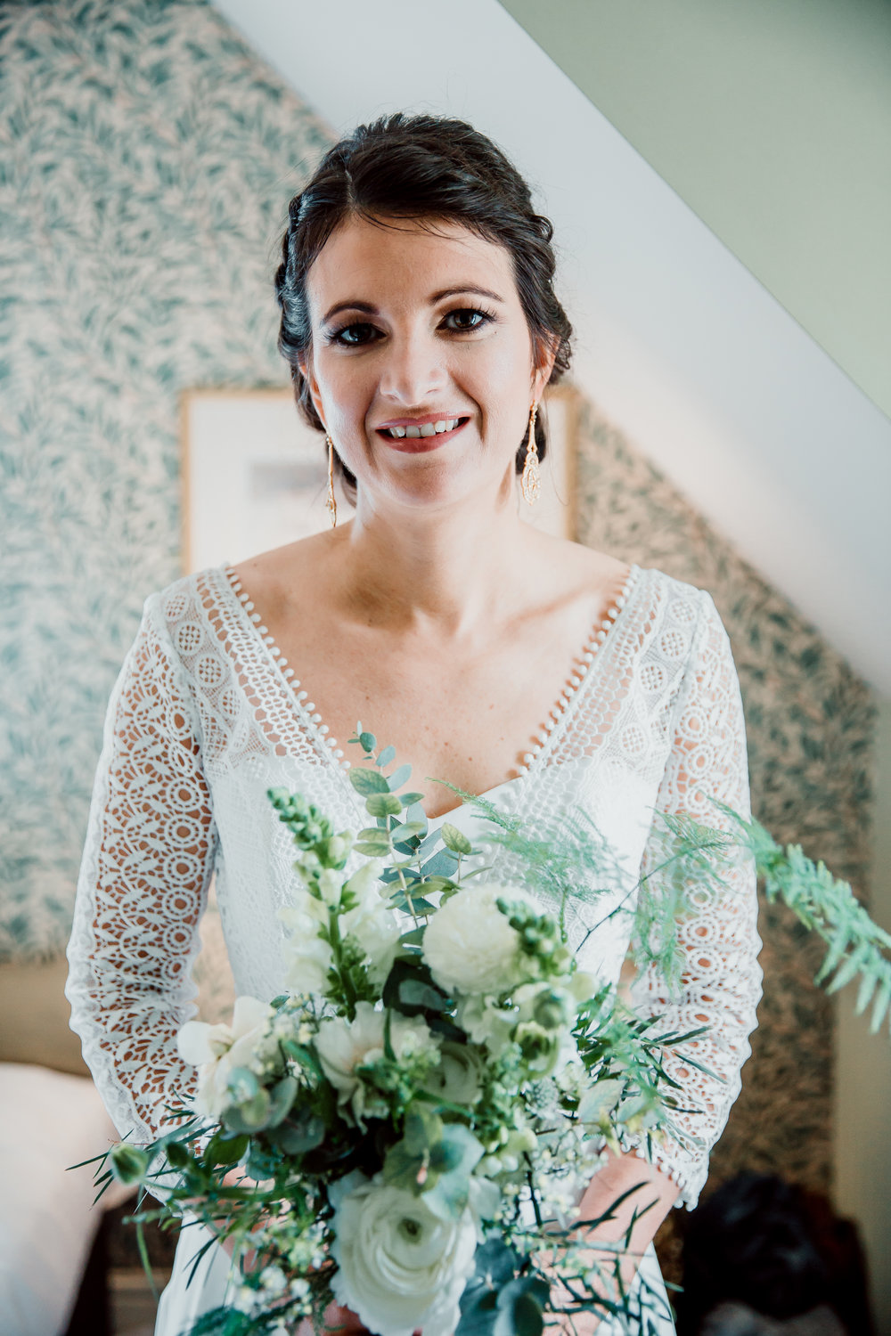 The beautiful bride Vanessa at The Chilterns wedding