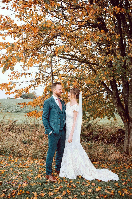 VICTORIABAKERWEDDINGSAbby&MattBarmbyfieldBarnWeddingPhotographer-252.jpg