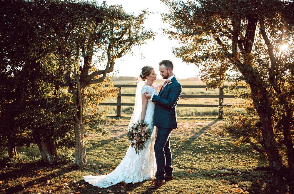 VICTORIABAKERWEDDINGSAbby&MattBarmbyfieldBarnWeddingPhotographer-581.jpg
