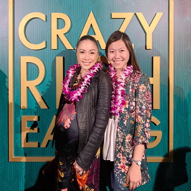 With my sister @sojannelle from last night's #crazyricheating 🥡🥠🍲