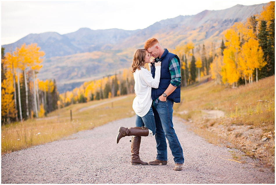 durango-fall-engagement-photography.jpg