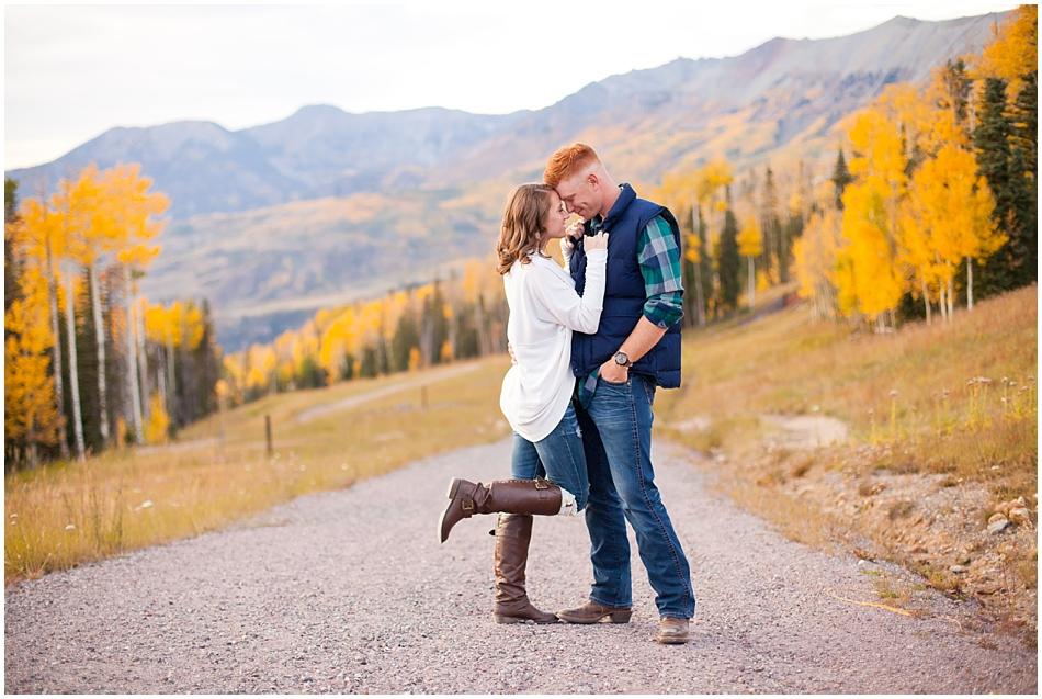 durango-fall-engagement-photography.jpg