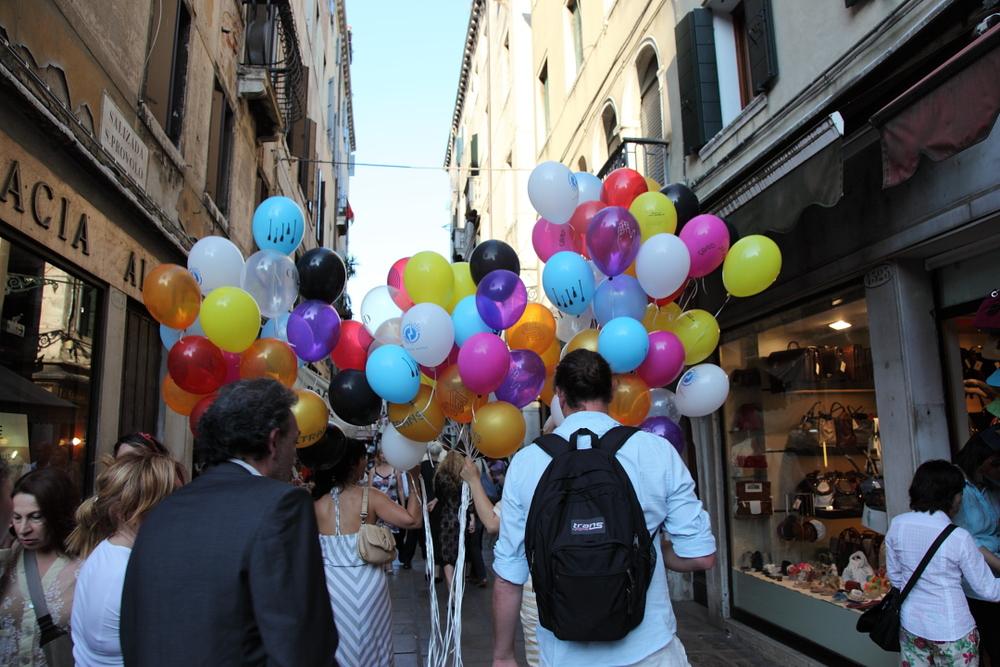 cfinleyballoonsvenice21.JPG