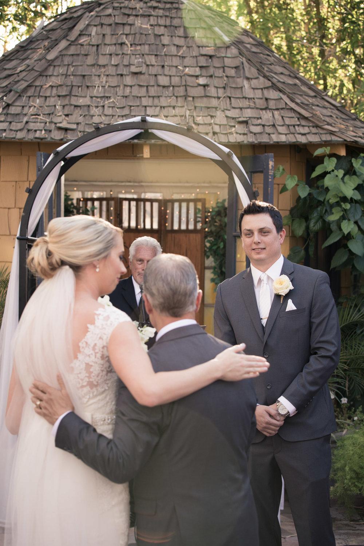 weddings_170131_140503_6d_IMG_6404_lr_141123final_3000p72pi.jpg