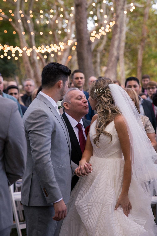 weddings_170131_161104_6d_2260_lr_161206final_3000p72pi.jpg