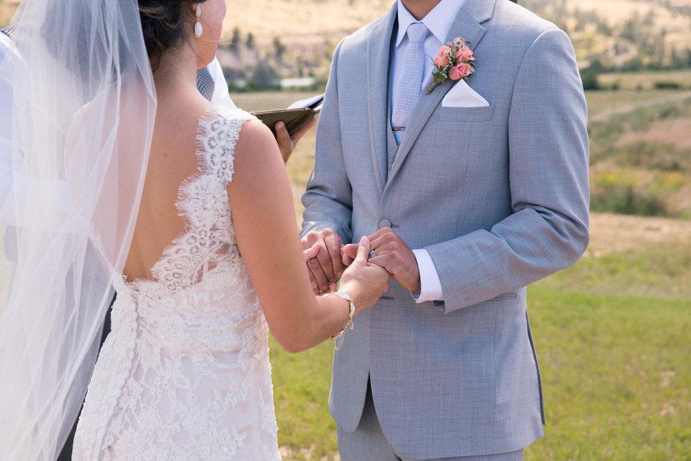 weddings_170623_6d_1258_lr_170901final_4000p72pi.jpg