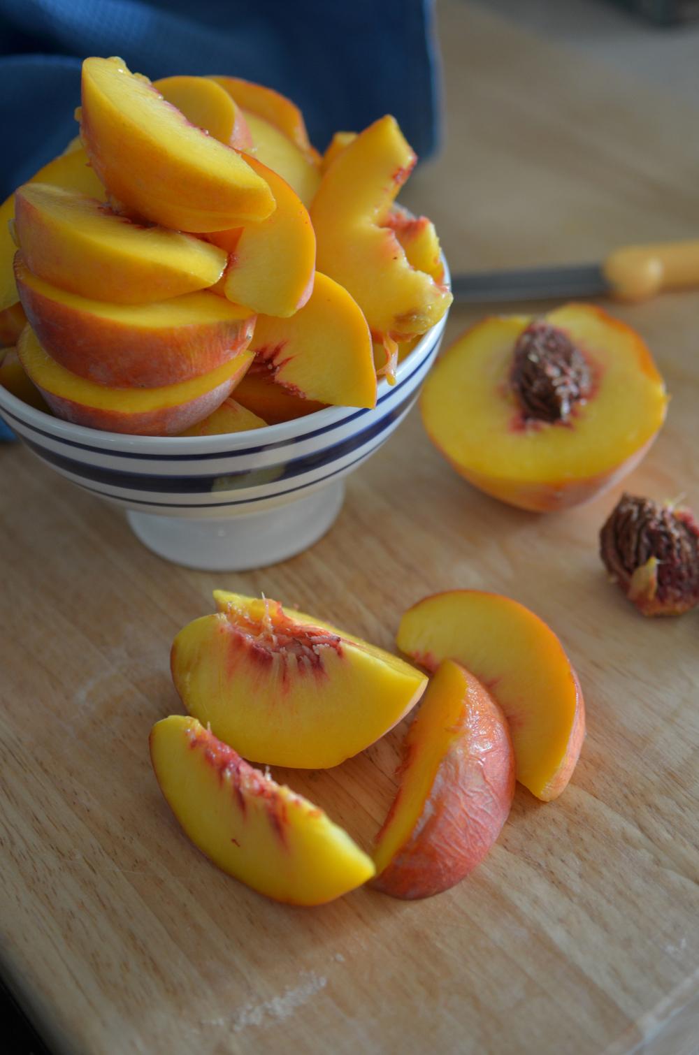 wit+aroma peach almond cobbler