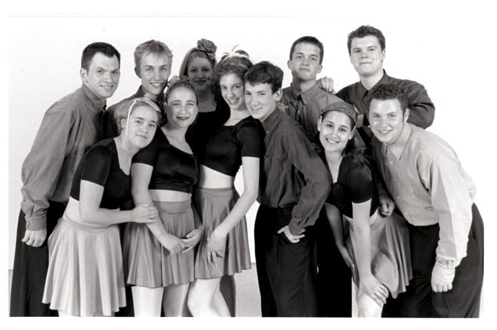 Minnie's Moochers @ 2000. Left to Right: Mark Eckstein, Lucy Engle, Skye Humphries, Simnia Singer-Sayada, Ramona Staffeld, Caitlin George Wellman , Ben Furnas, Finian Makepeace, Jenna Hallas, Andy Reid, Robin Coleman
