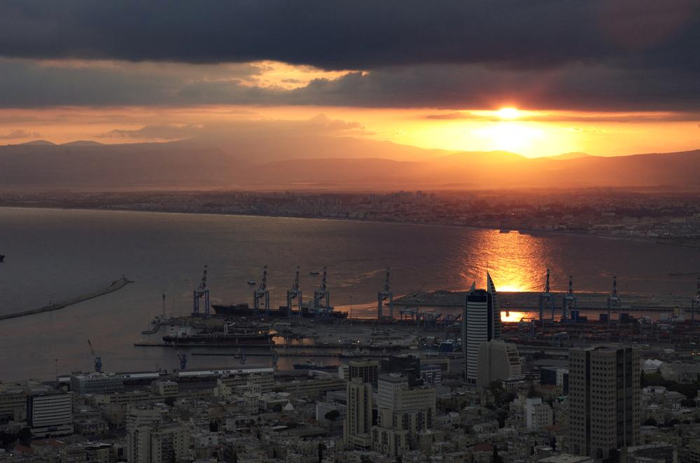 044_Haifa_Harbor_hdr.jpg