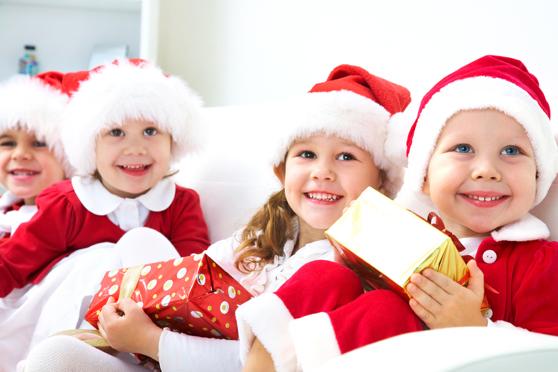 Niños regalito navidad 558x372.jpg