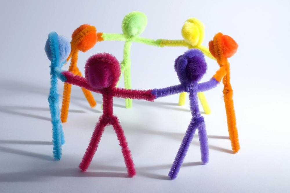 MOVIMIENTO, DANZA Y RISA EN FAMILIA: SACAR TU NIÑO/A INTERNO/A CON TUS HIJOS/AS