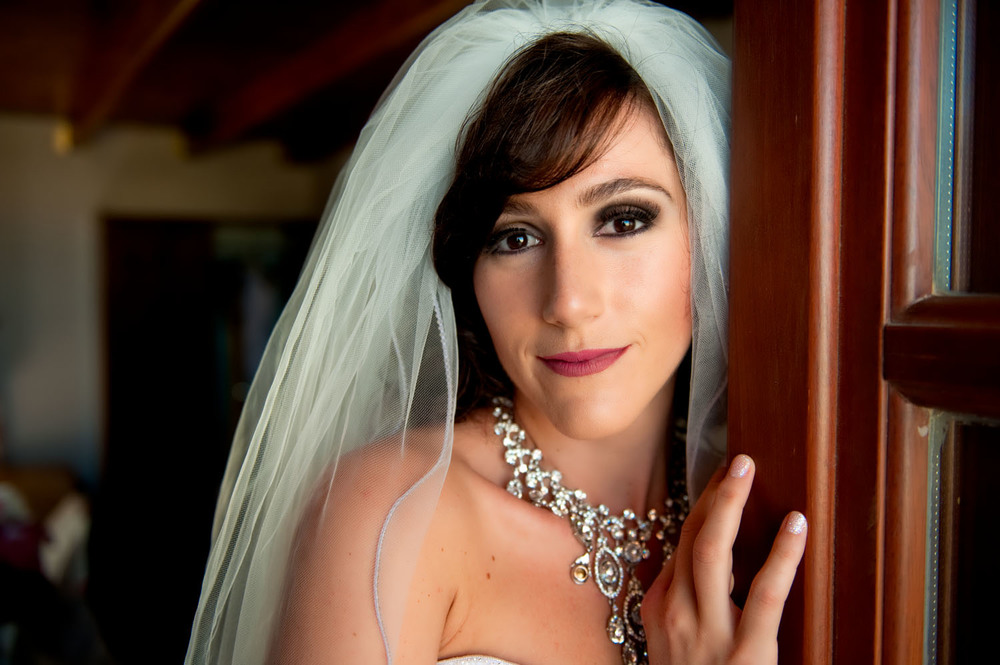 portrait of a bride wedding day-19.jpg