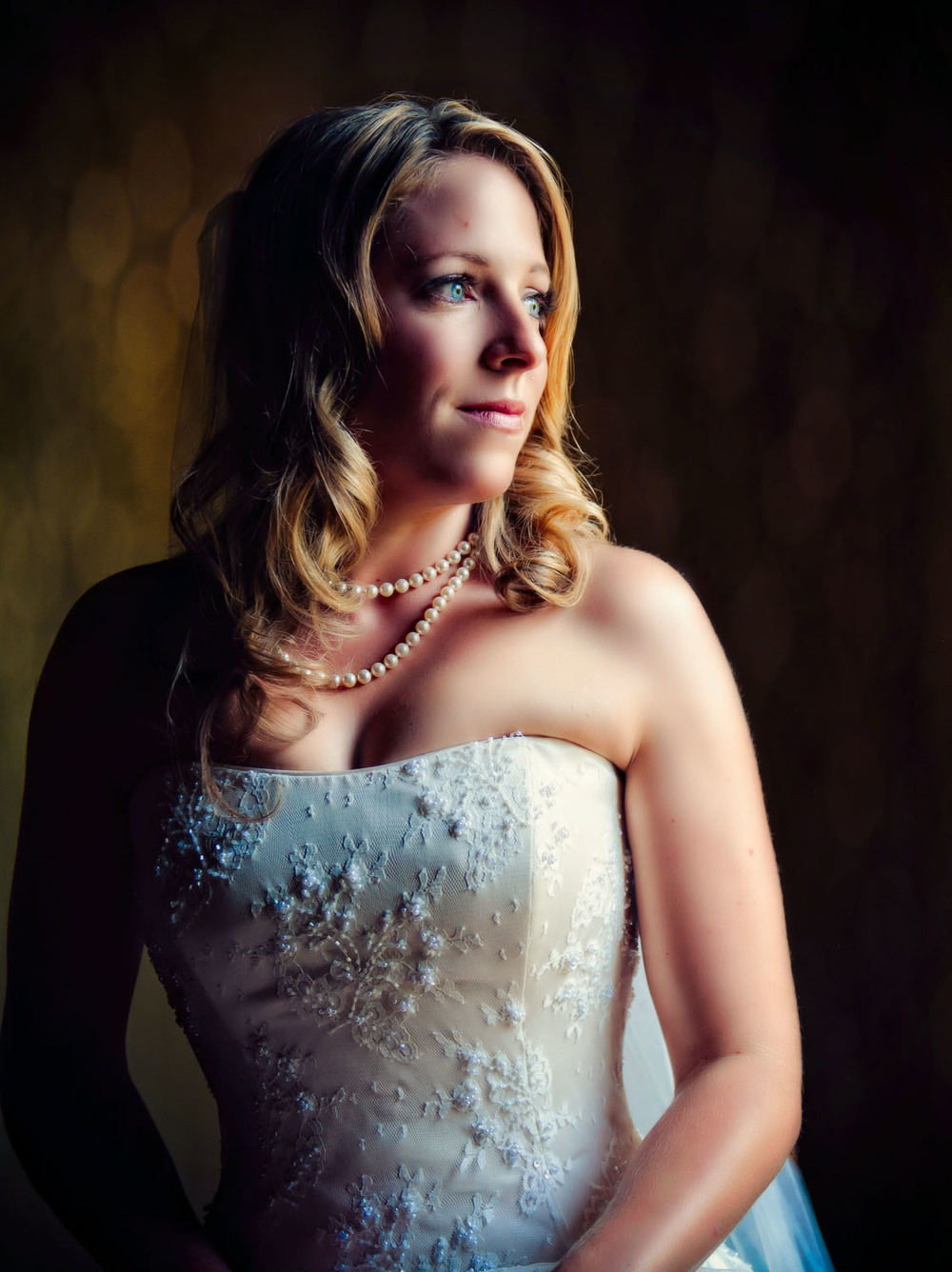 portrait of a bride wedding day-27.jpg