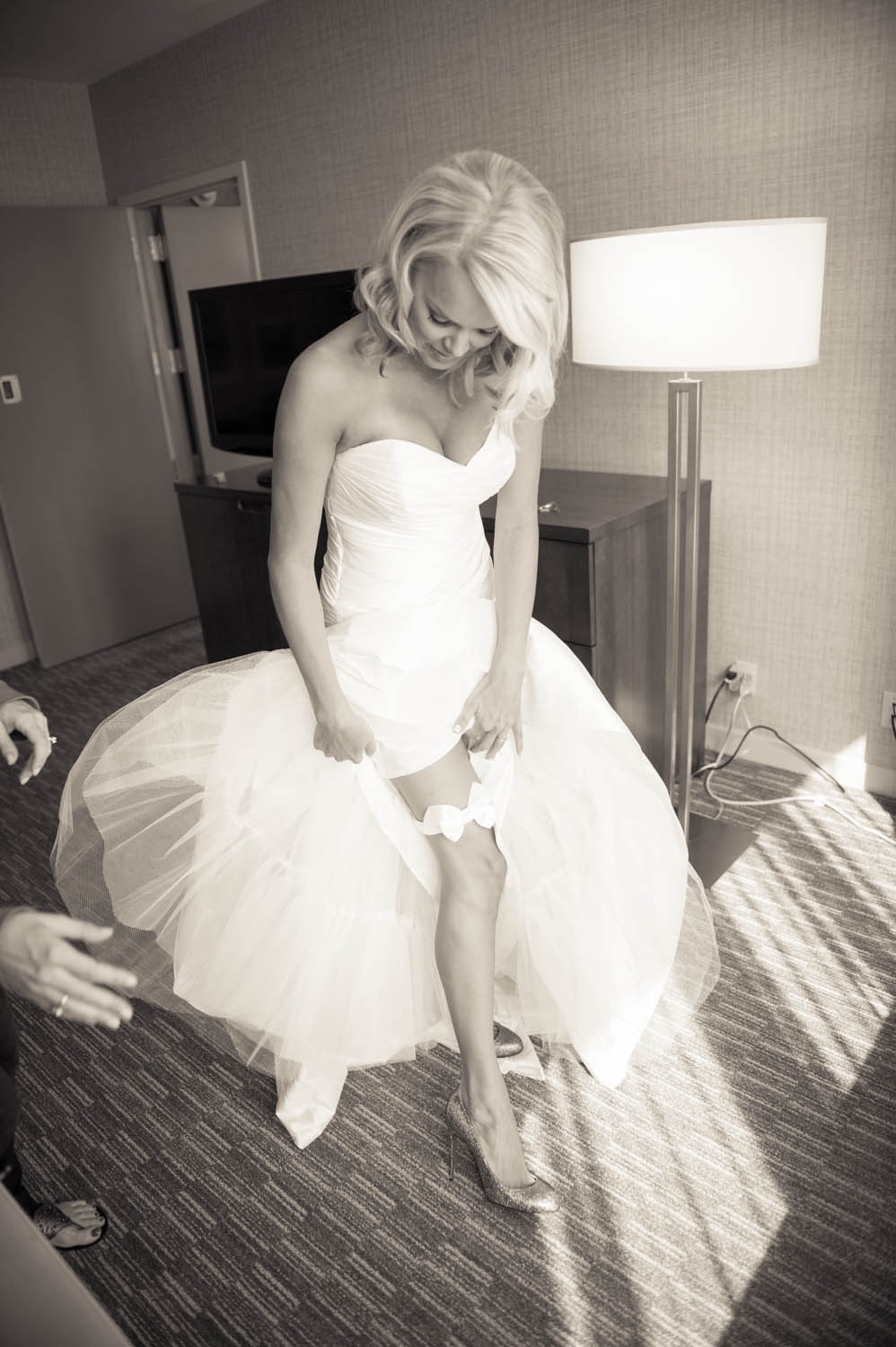 westin cincinnati wedding day-16.jpg