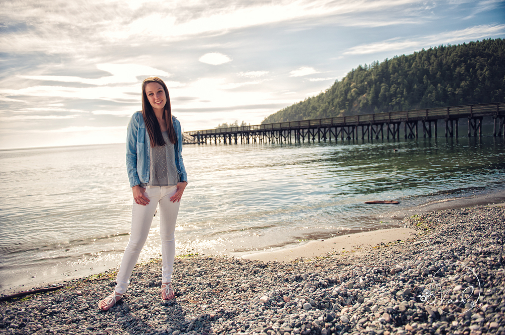 Oak Harbor senior portrait whidbey island--8.jpg
