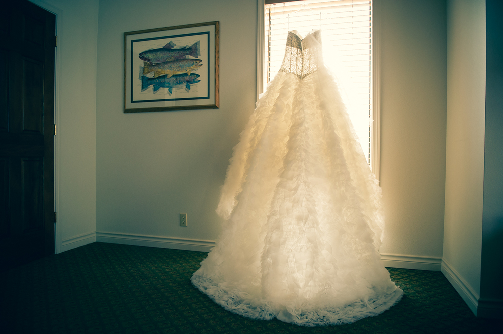 Destination winter wedding photography bend oregon broken top club ...