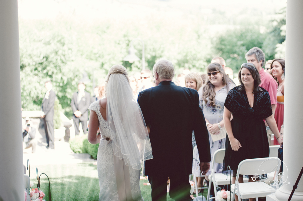 beecher hill house leavenworth wedding day-58.jpg