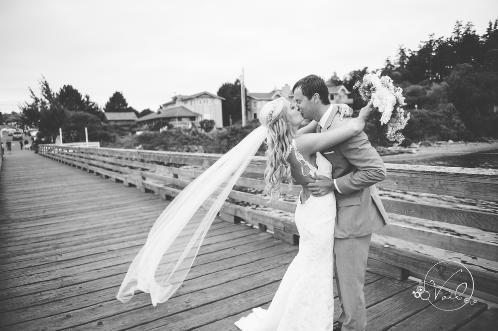 Whidbey Island wedding at captain whidbey inn-17.jpg