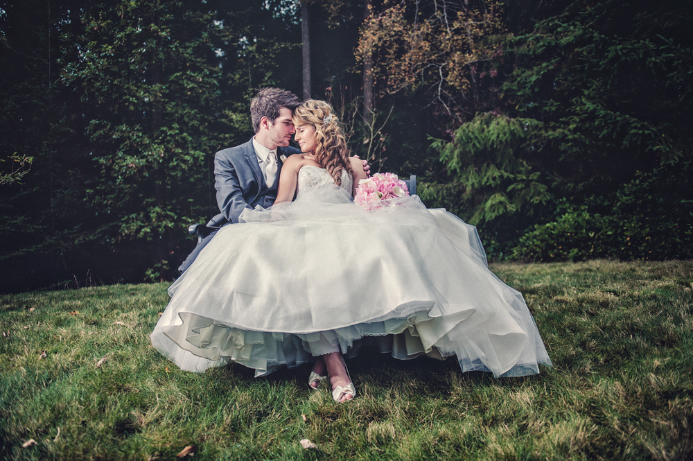 Portrait of a Bride and Groom on Wedding day-13.jpg