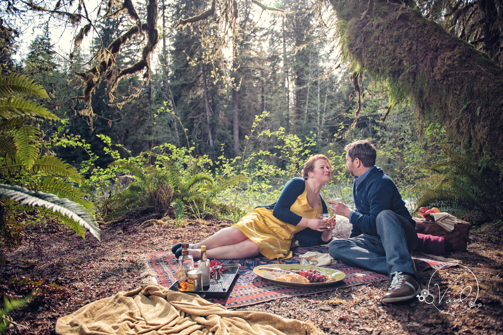 Hoh River Rainforest Engagement Picnic photoshoot-3.jpg