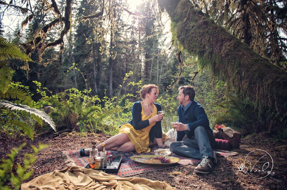 Hoh River Rainforest Engagement Picnic photoshoot-5.jpg