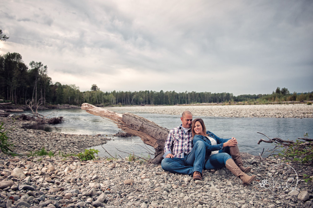 Engagement Session seattle wedding photographers family ranch--2.jpg