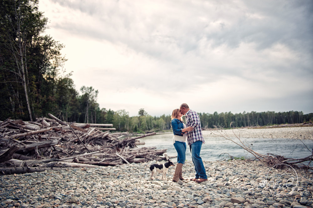 Engagement Session seattle wedding photographers family ranch--4.jpg